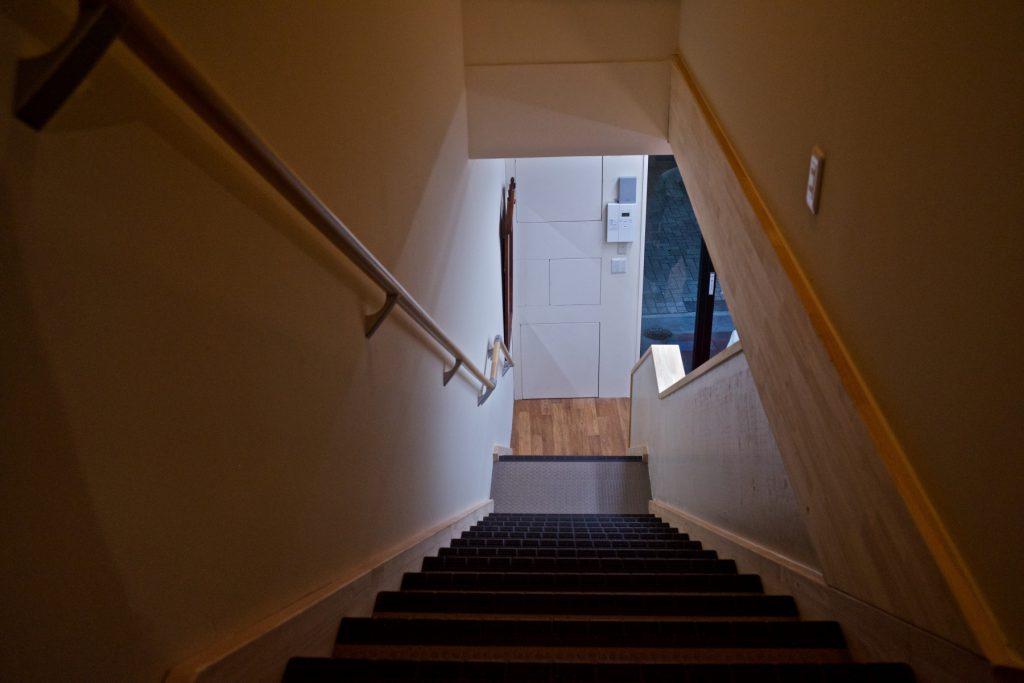 さくら建物の階段
